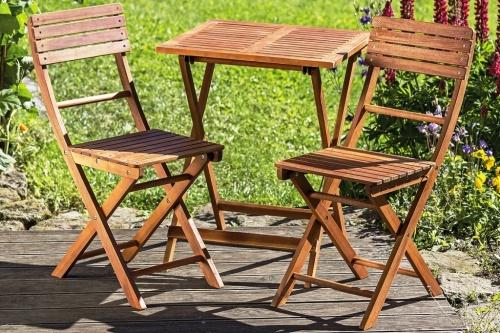 Gartenmöbel Holz braun 3er Set, 1 Tisch, 2 Stühle, Sitzgruppe ...
